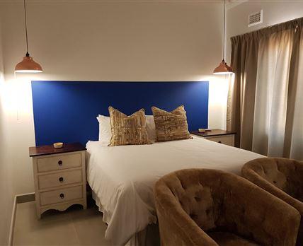 Main BedroomQueen size bed