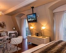 Loft bedroom with en-suite bathroom and private lounge with sleeper sofa © Elite Residences- Cape Royale 706