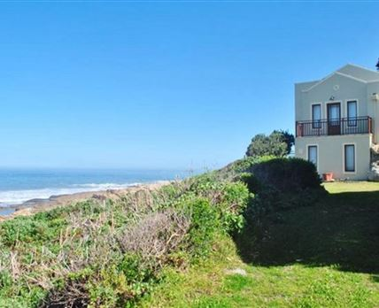 A beautiful 3 bed room house meters from the  Atlantic ocean