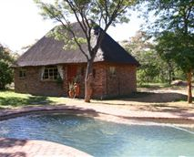 Three-bedroom Family Cottage with main bedroom equipped with a double bed and the other two bedroomswith two single beds each.There isa bathroom, separate toilet, andan open-plan lounge and kitchen area.