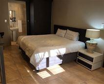 Suite2 - King setup