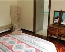 Queen sized bed, private entrance, en-suite bathroom with shower.