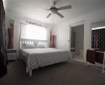 Main Bedroom en-suite (Bath and a Shower)