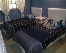 2 Single Beds © KR Harris