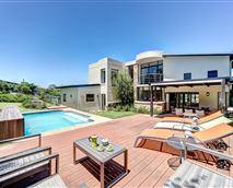 Chapman's View Villa - pool / outside entertainment area © www.bestphotos4you.com