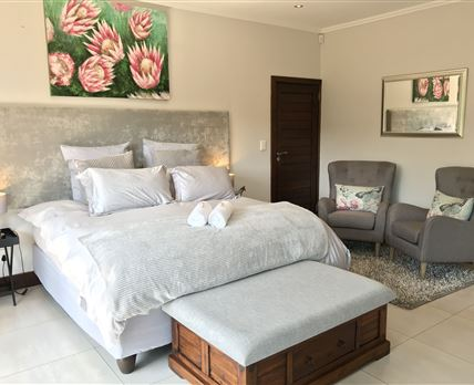 Very spacious room with Egyptian Cotton Bedding