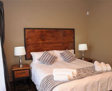 Family room 5Queen bedroom