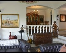 Lounge Upstairs © Ginaz