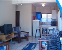 Albatross is a one and a half bedroom unit and can sleep 4.It has an open plan lounge/kitchen area and a patio with braai