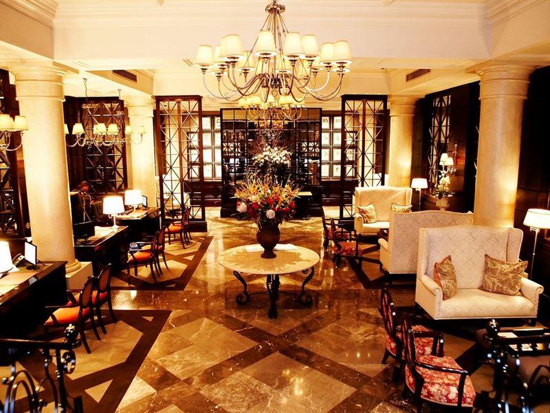 Luxury Hotel Foyer : Cape royale hotel