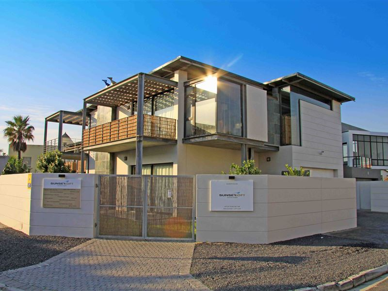 Sunset loft guest house for Beach house design cape town