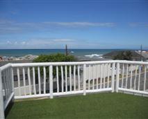 Ocean viewing deck over the braai area