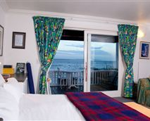 Honeymoon suite with stunning sea views. © Yes