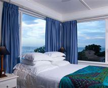 Magical honeymoon suite with 270deg sea views. © Yes