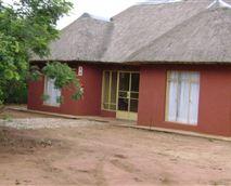 Eight-sleeper cottage