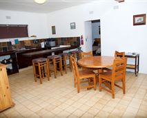 Weaver Chalet open-plan kitchen