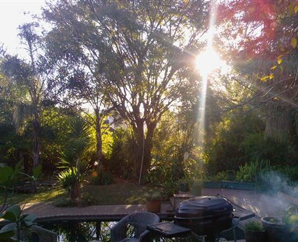 A lovely tranquil garden in quiete surrounds to justsit relax and watch the sun set