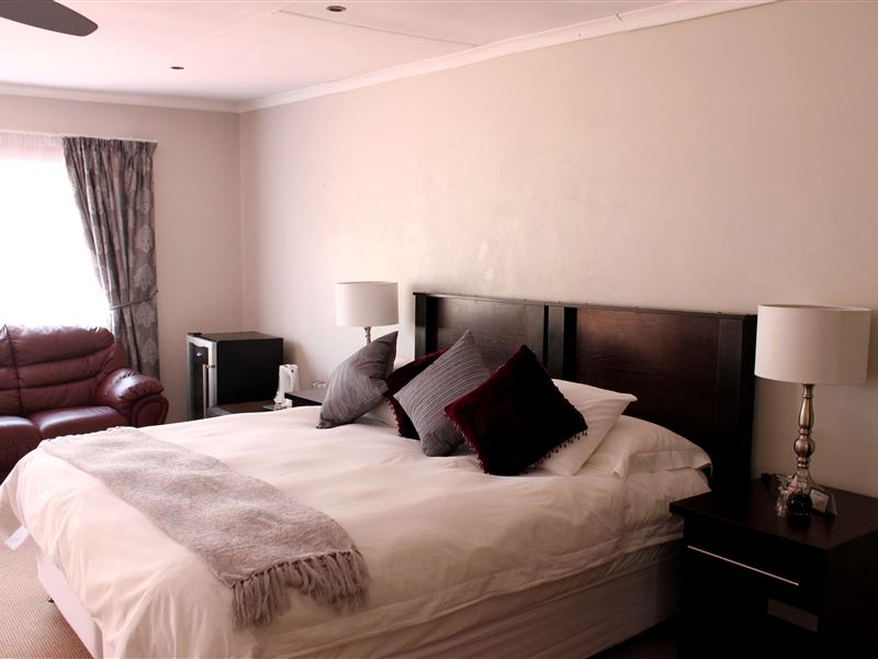 the lazy grape guest lodge health spa. Black Bedroom Furniture Sets. Home Design Ideas