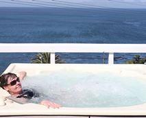 Jacuzzi on deck © Rocklands House