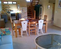 Benguela kitchen and living room © A Robb