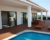 Deck with pool