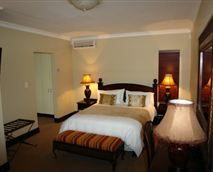 Luxury main room linked to the twin room and full en-suite.