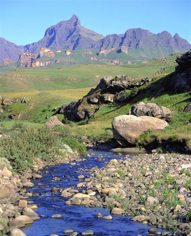 Drakensberg Accommodation Hotels: Drakensberg Travel Guide