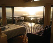 Main room at sunrise © The Beach House