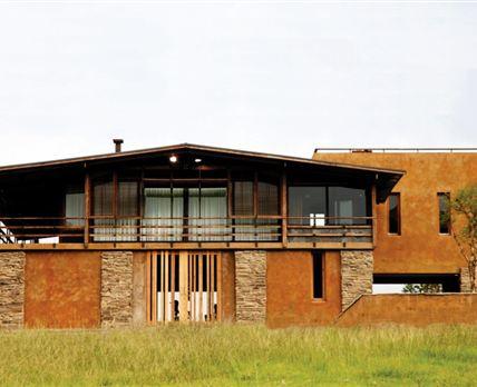 Main lodge © ZuluWaters