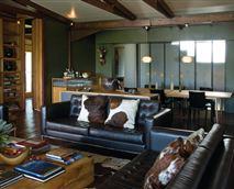 Shaka lodge living area © ZuluWaters