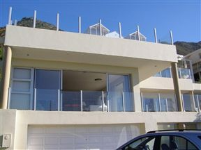 3-Bedroom Gordons Bay Holiday Accommodation Apartments