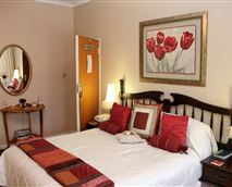 En-suite Queen Bed with TV, Aircon, Electric Blankets, Wall Heater, Wifi, Coffee/tea Facilities