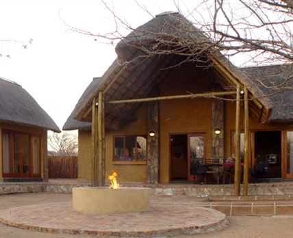 Lodge 482 with 4 bedrooms, separate living area, swimming pool and fire/braai area.<br /> © Marais Neethling