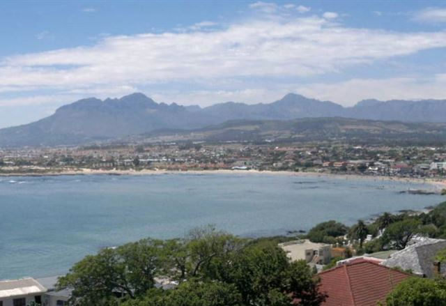 1-Bedroom Gordons Bay Holiday Accommodation Apartments
