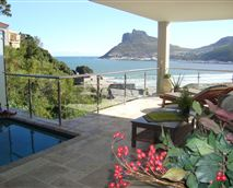 Veranda with pool
