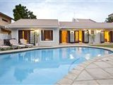 Accommodation in Blythedale Beach B & B