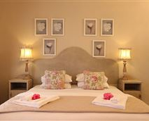 Rose Cottage is a self=catering cottage and can sleep 3 pax