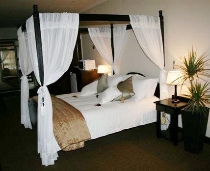 Honeymoon Room.Aircon.1 x Queen size bedFull bathroom