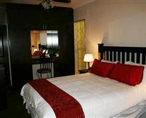 Luxury room.1x Queen size bed.Shower