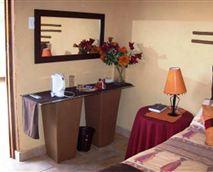 Standard Bedroom with En suite © De Plaas Guesthouse