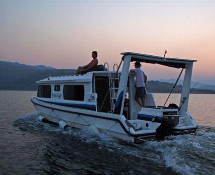 Fish Eagle House Boat on Maguga Dam