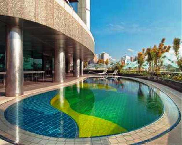 Hilton hotel durban for Agus hotel swimming pool rates
