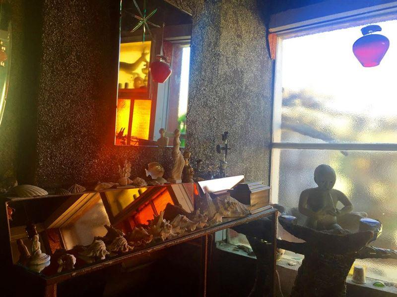 Owl House interior, Nieu Bethesda