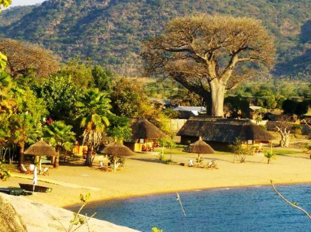 Monkey Bay Accommodation