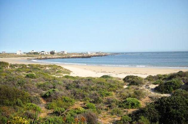 Britannia Bay beach