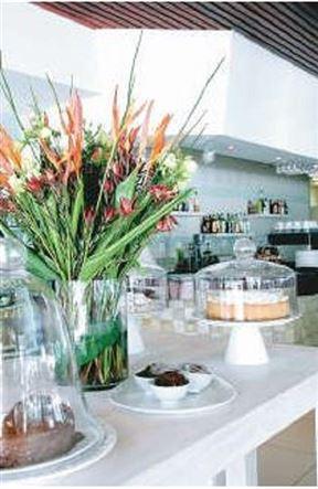 Riverside Caffé and Bistro