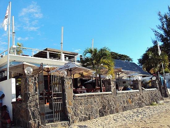 Beach House Mauritius Alt Loading Le