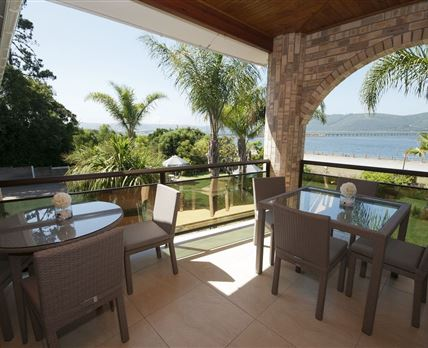 Enjoy your breakfast inside or outside with the beautiful view of the Lagoon & Heads beyond.