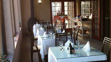 Restaurants in Rooi Els