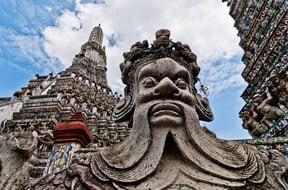 Wat Arun Statue